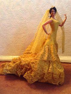Vintage Spanish flamenco dancer doll