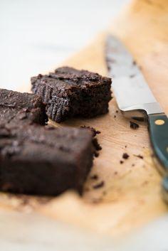 Brownie fit com batata doce – sem glúten/lactose | Vídeos e Receitas de Sobremesas