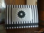 Black and white with a little message pocket --perfect!