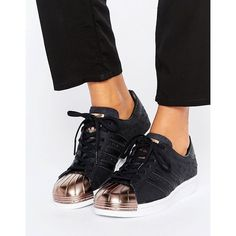 adidas Originals Black Metallic Superstar Trainers With Rose Gold Toe... (€115) ❤ liked on Polyvore featuring shoes, sneakers, black, polka dot sneakers, lace up shoes, rose gold metallic shoes, black caps and rose gold trainers