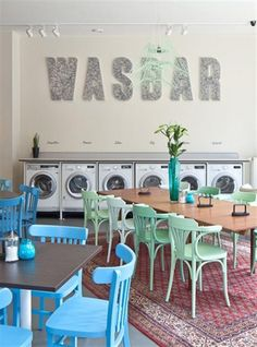 A new concept, The Laundry Bar, enjoying your time with foods, drinks and reading while waiting for your laundry. Even musical bands are taking care of the auditive ambiance! Graaf Van Egmontstraat 5, Antwerp, Belgium