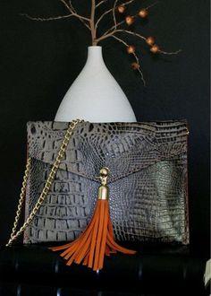 Black croc envelope bag w/tassel. Tip - Click the pic for best Handbags Clutch Bag, Crossbody Bag, Envelope Clutch, Sacs Design, Beautiful Bags, Leather Craft, Fashion Bags, Style Fashion, Purses And Handbags