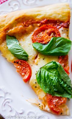 Sometimes you just cant beat a classic like fresh and simple Margherita Pizza. This homemade pizza recipe hits the spot and is so easy to make! Pasta Sauce Recipes, Pizza Recipes, Vegetarian Recipes, Dinner Recipes, Cooking Recipes, Healthy Recipes, Sallys Baking Addiction, Lunches And Dinners, Food For Thought