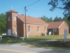Roanoke Zion Missionary Baptist Church Keehukee Road                                                                                                                   Scotland Neck, North Carolina, 27874 (252) 826-5326 Rev. Earl Williams, Pastor