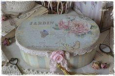 Купить или заказать Шкатулка деревянная 'Jardin Botanique' в интернет-магазине на Ярмарке Мастеров. Винтажная, нежная шкатулочка с удовольствием поселится в вашем доме. Для хранения украшений, необходимой мелочи, швейной фурнитуры,милых сердцу вещиц...…
