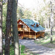 Custom log home constructed by L.A. Horn of Logan Ohio.