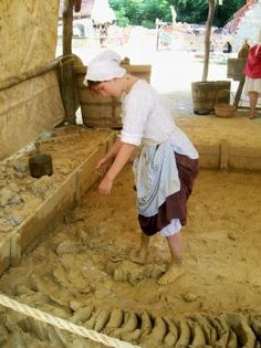 colonial brickmaker | Colonial Williamsburg historic interpreters aren't afraid to get ...