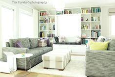 Kuva Koto Sisustussuunnittelun toteuttamasta kohteesta. Koton löydät TaloTalosta, rakentajan palvelukeskuksesta. #decorating #sisustus #livingroom #olohuone #gray #harmaa #white #valkoinen #sohva #couch #koti #home #scandinavian #sisustussuunnittelu #finland #suomi #talotalo