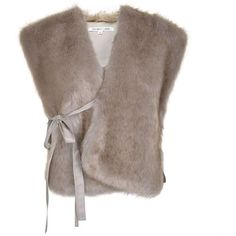 Helmut Lang Plush Faux Fur Stole (€395) ❤ liked on Polyvore featuring accessories, scarves, pale grey, fake fur scarves, helmut lang, faux fur stole, faux fur shawl and oversized scarves
