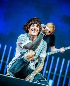 Olis smile gives me life. x3