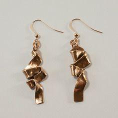 Boucles d'oreille métal doré pièce unique