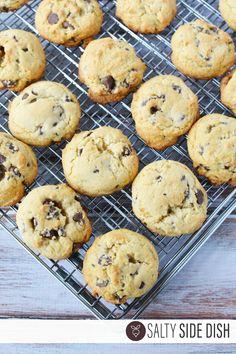 How to make Copycat Inspired Levain Bakery Cookies Levain Bakery Cookie Recipe, Levain Cookies, Copycat, Chocolate Chip Cookies, Cookie Recipes, Muffin, Inspired, Breakfast, Desserts