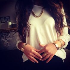 Simple white + gold always work perfect