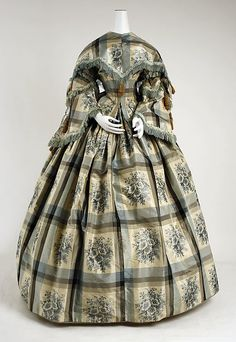 American Civil War Dress - Dress Date: Culture: American Medium: silk, cotton Dimensions: (a) Length at CB: 18 in. cm) (b) Length: 44 in. cm) (c) Length at CB: 13 in. cm) (d, e) Length: 19 in. Victorian Gown, Victorian Fashion, Vintage Fashion, Antique Clothing, Historical Clothing, Vintage Gowns, Vintage Outfits, Crinoline Dress, Silk Dress