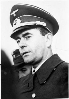Albert Speer -- the super efficient architect turned Minister of Armaments. His organisational skills ultimately tripled the production of tanks, planes and weapons. World War One, Second World, Luftwaffe, German Submarines, Germany Ww2, Military Figures, The Third Reich, Japan, Wwii