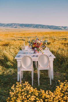 Fields of Gold - Inspired Wedding Editorial - Chic Vintage Brides : Chic Vintage Brides 1970s Wedding, Boho Wedding, Summer Wedding, Wedding Flowers, Budget Wedding, Wedding Table, Fields Of Gold, Chic Vintage Brides, Wedding Honeymoons