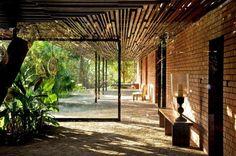 Casa Brick Kiln - SPASM Design Architects #arquitectura