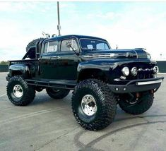 Old Dodge Trucks, Jacked Up Trucks, Old Pickup Trucks, Jeep Pickup, Dually Trucks, Lifted Jeeps, Dodge Cummins, Lifted Chevy, 4x4 Trucks For Sale