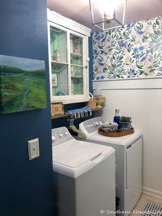 Small Laundry Space, Small Utility Room, Small Spaces, Laundry Room Organization, Laundry Room Design, Laundry Room Wallpaper, Laundry Room Inspiration, Inspiration Wall, Laundry Room Remodel