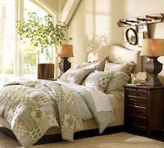 Me gustan los colores elegidos para la habitación, el tono oscuro de los muebles es perfecto!