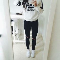 This adidas outfit is so cute and awesome for back to school. It slays and looks great. This is a great outfit to get. bts black and white style for teen girls Sporty Outfits, Fall Outfits, Fresh Outfits, Hipster Outfits, Girly Outfits, Looks Adidas, Denim Jeans, Black Jeans, Casual Jeans