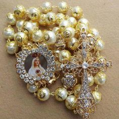 tv - the more catholic the better Gold Rosary, Rosary Prayer, Praying The Rosary, Rosary Catholic, Rosary Beads, Prayer Beads, Jesus And Mary Pictures, Catholic Pictures, Blessed Mother Mary
