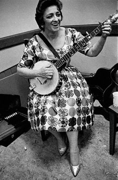 CARTER,MAYBELLE Musician Considered the mother of country music, Maybelle Carter was born Maybelle Addington on May Country Musicians, Country Music Artists, Country Music Stars, Country Singers, Classic Country Artists, Classic Singers, Folk Music, My Music, Gospel Music