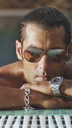 Salman Khan's wallpaper Tysm for being my friend I adore you lots💙💋😘💙👏🙏 Salman Khan Photo, Shahrukh Khan, Bollywood Stars, Salman Katrina, Salman Khan Wallpapers, National Film Awards, Sr K, Shahid Kapoor, Poses For Men