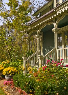 Victorian Porch - Mine looks like this in my imagination only.  But it could!