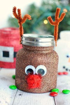 I love things that sparkle-especially glitter. Glitter at Christmas is extra magical. Put it on some cute jars and it makes a perfect little party favor or neighbor gift or project for the kids! Ma…