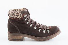 Ghete din piele naturala Hiking Boots, Shoes, Fashion, Walking Boots, Moda, Shoes Outlet, Fashion Styles, Shoe, Footwear