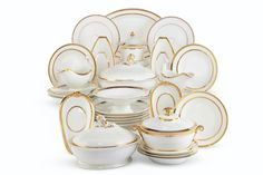 A PARIS PORCELAIN GILT-BANDED PART DINNER SERVICE 19TH CENTURY Soup Plating, Dinner Plates, Decorative Plates, Porcelain, Paris, 19th Century, Band, Lee Radziwill, Letters