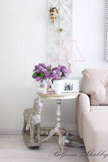 Romantic home: Shabby chic style Romantic Homes, Shabby Chic Style, Shabby Chic Furniture, Home Decor, Ideas, Decoration Home, Room Decor, Home Interior Design, Shabby Chic