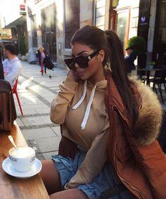 "5,941 aprecieri, 45 comentarii - Lateysha Grace 🤓 (@lateysha_grace) pe Instagram: ""Difficult roads often lead to beautiful destinations 💘💖💌 Hair by @jameswsilk @easilockshair…"" The Locals, Mercedes Morr, Roads, Instagram Posts, Destinations, Hair, Beautiful, Beauty, Sunglasses"