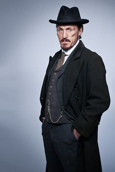 Jerome Flynn as Sergeant Bennett Drake in Ripper Street... Such a handsome beast of a man! :)