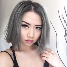 Important Concept Haircut And Color For 2019 - Get inspired with these preeminent hair styles! These haircut 2019 for men dan women can be clean cut for work or edgy for play. These looks are fresh, modern, as well as suitable for a professional. Grey Hair Young, Ash Grey Hair, Grey Hair Color Dye, Hair Dye Colors, Gray Color, Short Bob Hairstyles, Hairstyles Haircuts, Hairstyle Short, Bob Haircuts
