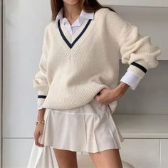 10 Gossip Girl Inspired Outfits Casual Sweaters, Long Sweaters, Sweaters For Women, Striped Sweaters, Oversized Sweaters, Oversized Cardigan, Vintage Sweaters, Cardigans, Mode Outfits