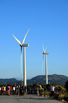 Wanna visit Bangui Windmill in Ilocos Norte but have no luxury of time? Visit Rizal Windmills of the East.
