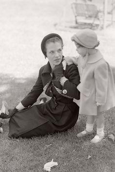 Marisa Berenson with her mother, the Marchesa Cacciapuoti di Giugliano. Photo by Horst.