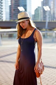 Straw Hat Ladies: Stylish combinations and styling ideas - mode&trends - Hut Fedora Outfit, Fedora Hat Women, Estilo Boho Chic, Estilo Glamour, Winter Fashion Outfits, Summer Outfits, Fashion Top, Fashion Hats, Vacation Outfits