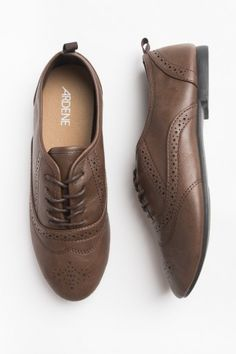 Brown piqued leather Oxfords - Hair - Accessories