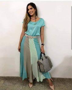 meyri cardoso multi brand on Modest Fashion, Boho Fashion, Girl Fashion, Fashion Dresses, Skirt Outfits, Dress Skirt, Frock Patterns, Look Office, Types Of Dresses