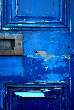 Colors: 3 blues there, and the metal accent. -M || love the look of worn paint. character.