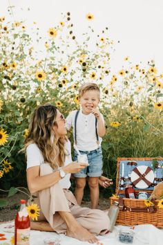 Sunflower Fields Morning Picnic With Beckam Summer Family Pictures, Family Photos, Cute Family, Baby Family, Children Photography, Family Photography, Mother Son Photography, Mother Son Pictures, Picnic Photo Shoot