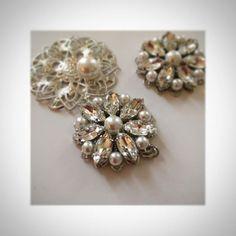 。 リボンカチューシャ作り。 作っていくうちに、 こんなデザインがいいなーって 試行錯誤してたら、 材料が足りなくなった(笑) せっかくやる気出たから 今日完成させたかったのに〜(*_*) 。 #リボンカチューシャ #リボンカチューシャ手作り #プレ花嫁 #2017春婚 #花嫁diy