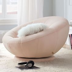 This bean bag chair is a quite inspirational and marvelous idea Rose Gold Room Decor, Rose Gold Rooms, Room Ideas Bedroom, Bedroom Decor, Bedroom Designs, Bedroom Lounge Chairs, Couch For Bedroom, Modern Bedroom, Bedroom Seating