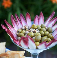 Belgian endive makes a spectacular presentation for any special event! Snacks Für Party, Appetizers For Party, Appetizer Dips, Appetizer Recipes, Endive Appetizers, Belgian Endive, Food Displays, Food Decoration, Appetisers