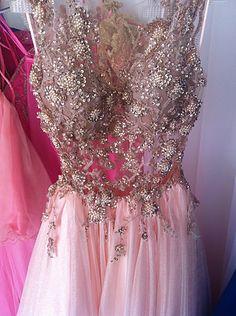 M Rossana Noivas | Aluguel de vestido de noiva, debutantes e festas | 15 anos