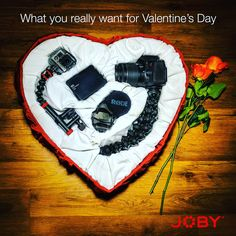 Post dedicado a los amantes de los #gadgets un corazón lleno de?? Could be the best #gift If you are in love with #photography. Love & #share #Joby & #JOBYinc