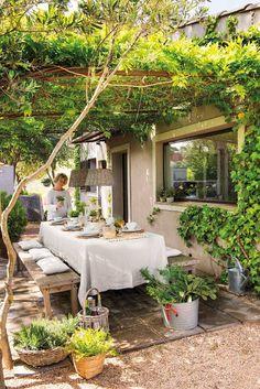 Backyard patio - 44 backyard porch ideas on a budget patio makeover outdoor spaces 31 Outdoor Rooms, Outdoor Dining, Outdoor Gardens, Outdoor Patio Decorating, Dining Area, Indoor Outdoor, Patio Decorating Ideas On A Budget, Outdoor Balcony, Dining Room